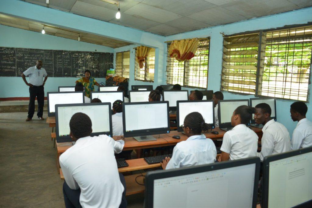 Mwasi Makasi computers